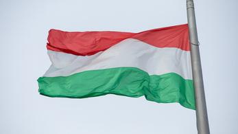 Felháborodott a Fidesz Budapest ünnepi díszítésén, a főváros cáfol