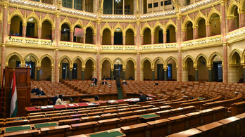 Kormánypárti képviselők hiányában határozatképtelen volt a parlamenti ülés