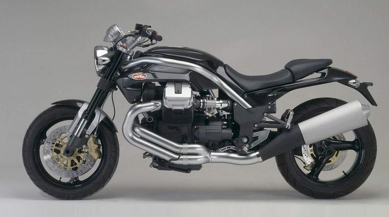 Moto Guzzi Griso 1100 (2005.)                         A 90-es éveket és a 2000-es évek elejét a Guzzi főleg rettenetes chopperekkel próbálta kibekkelni, aztán jött Griso, egy régi vágású roadster, izgalmas formával és vezetési élménnyel - hiányzott belőle a Monster izgágasága, nem másolt, hanem a saját útját járta
