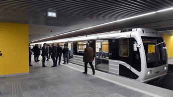 Feljelentést tettek a 3-as metró felújítása miatt