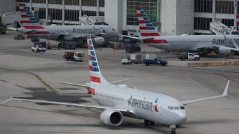 Forintmilliós büntetés és börtön jár, ha randalírozna a repülőgépen