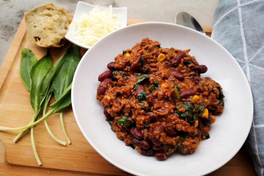 medvehagymás chilis bab recept
