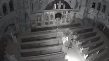 Videó készült a gödöllői templom vandál gyújtogatójáról