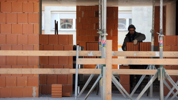 Százezreket spórolhatnak az építkezés előtt állók
