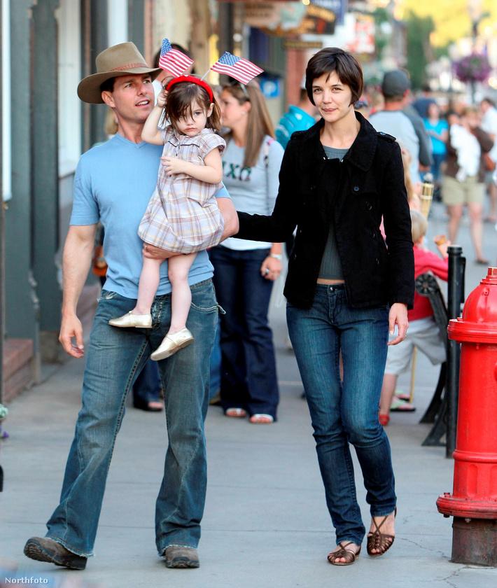 Néhány évvel később, 2008 júliusában azért fotózták le a településen, mert Cruise itt nyaralt az új családjával: Katie Holmes-szal és lányukkal, Suri Cruise-zal.