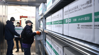 Szántóföldtől az Airbusig: minden, ami a kínai vakcinabeszerzés mögött áll