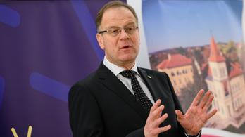 A Fidesz lépett, Navracsics Tibor elveszített szinte mindent
