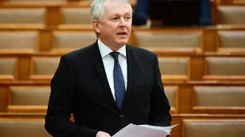 Távozott a miniszteri biztos, mielőtt megérkezett volna