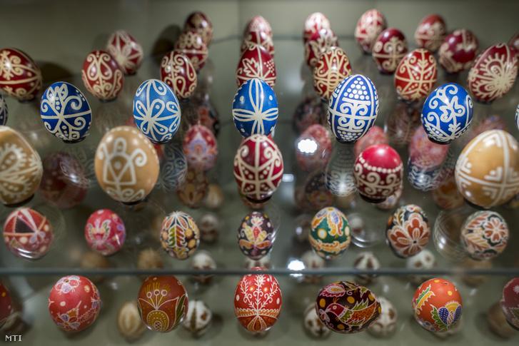 Hímes tojások a zengővárkonyi Míves Tojás Múzeumban 2020. április 9-én