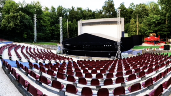 Nézők előtti júniusi előadásokra készül a Budai Szabadtéri Színház