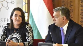 A Fidesz mintha elfelejtett volna valamit, az alapszabálya szerint még mindig az Európai Néppárt tagja