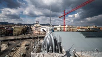 Eredeti fényében tündököl a Nyugati pályaudvar egyik homlokzati tornya