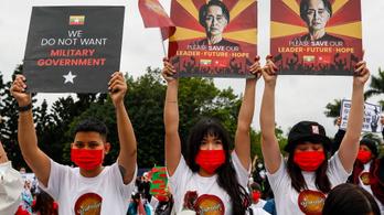 Tömegével menekülnek az emberek Mianmarból