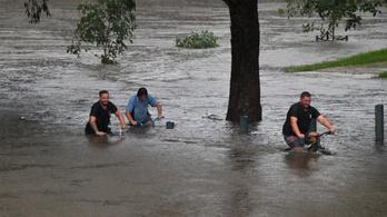 Árvíz pusztít Sydney körül,  több ezer embernek kell elhagynia az otthonát
