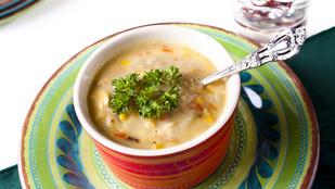 Te is szereted a leveseket? Ezt a kukoricás változatot egy adag csilivel érdemes tálalnod
