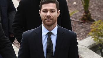 Xabi Alonso mégsem lesz edző a Bundesligában