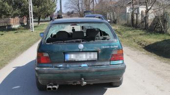 Nem akart fizetni, ezért baseballütővel betörte a szerelő kocsijának szélvédőjét