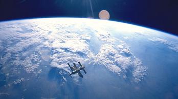 Hiába tüntettek érte, 20 éve lezuhant a Mir űrállomás
