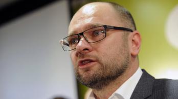 Mélyül a szlovák kormányválság, lemondott az gazdasági miniszter