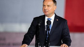 Három év börtön járhat azért, ha valaki idiótának nevezi a lengyel elnököt
