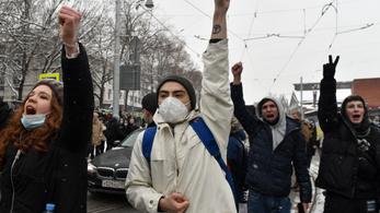 Ötszázezer fős tüntetéssel térnének vissza Navalnij támogatói