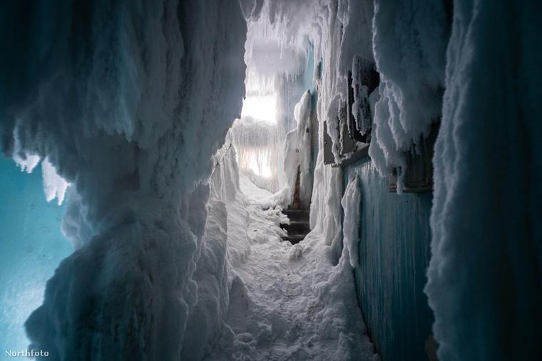 A házakból pedig jégbarlangok lesznek.