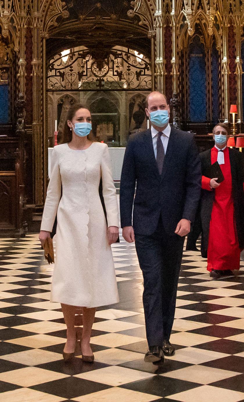 Katalin hercegné és Vilmos herceg tegnap a Westminster-apátságban jártak, ahol egy oltópontot alakítottak ki.