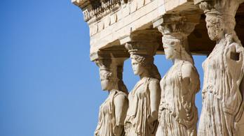 Görögország beengedi a beoltottakat
