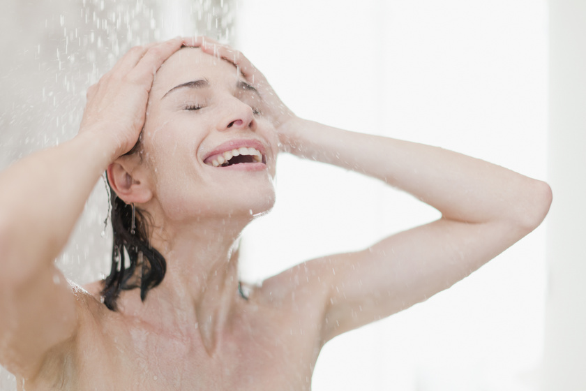 zuhanyozás