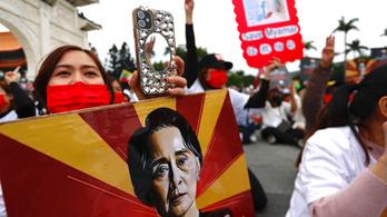 Több száz tüntetőt engedtek szabadon Mianmarban