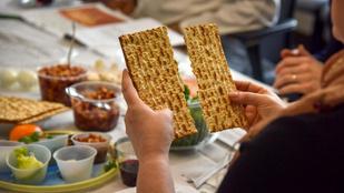 """Hámecolás, széder, macesz – mit jelentenek a """"zsidó húsvét"""", a pészah fontos kifejezései?"""