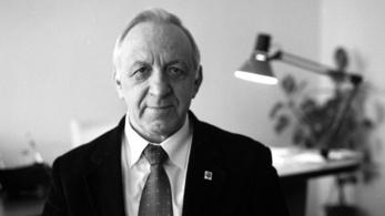 Meghalt Nagy Attila film- és drámatörténész