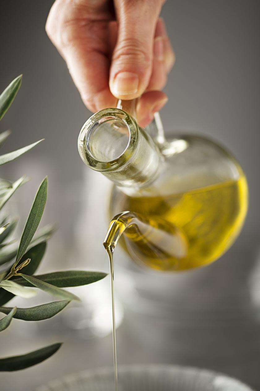 olívaolaj öntés álló ok