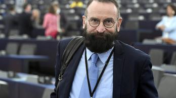 Szájer József több tiszteletet akar a botrány után, a belgák nem indítottak eljárást ellene