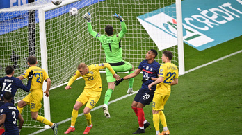 Otthon botlottak a franciák, vereséggel kezdett a vb-ezüstérmes