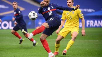 Deschamps játékosai fáradtságával magyarázta a francia botlást