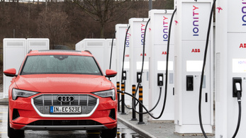 Több mint ötmilliárd eurót fordít villanyautó-töltőkre Németország