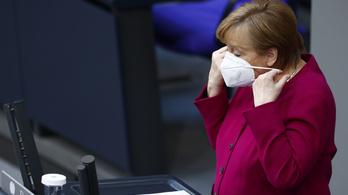 Angela Merkel: új járvány kezdődött a brit mutáció szétterejdésével