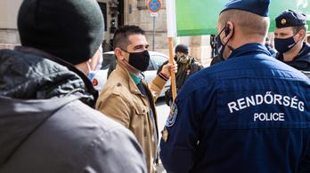 Novák Elődöt 750 ezer forintra büntették, és Dúró Dóra ellen is eljárást indítottak