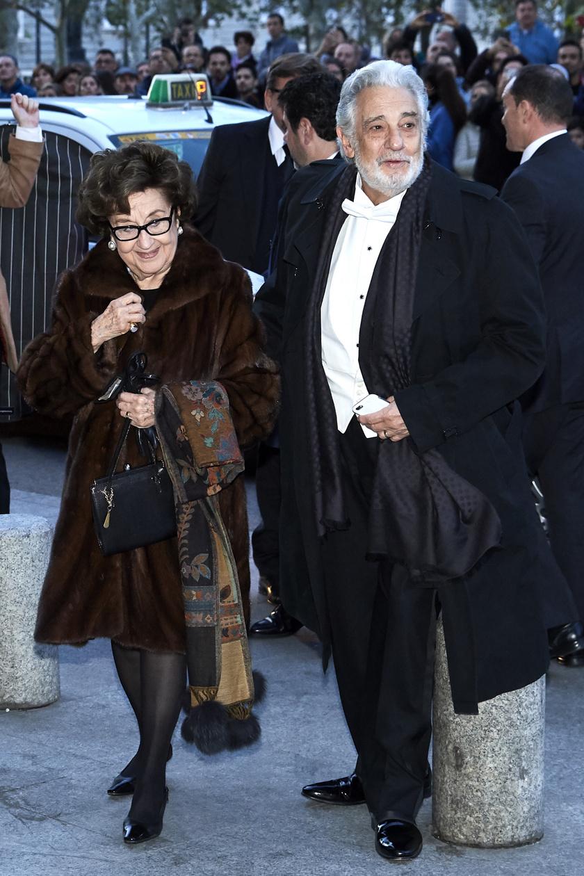 Plácido Domingo és Marta kétgyermekes szülők. Gyermekeik, Plácido Francisco és Alvaro Maurizio már mindketten az ötvenes éveikben járnak.