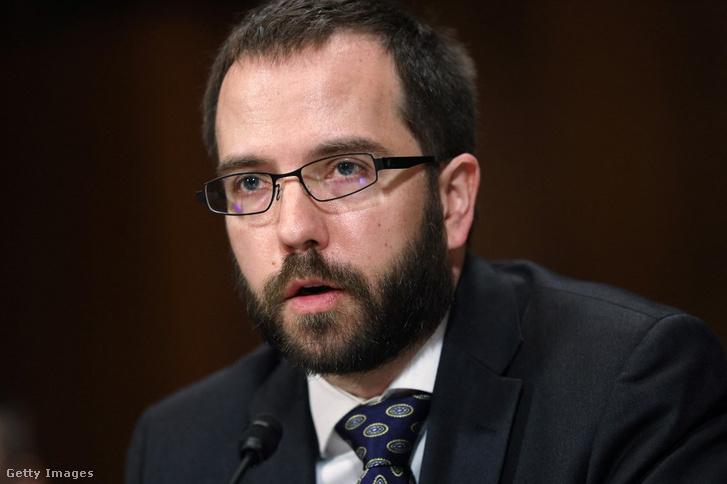 Erik Neuenschwander, az Apple magánszféraügyekért felelős vezetője egy korábbi kongresszusi meghallgatáson, 2019-ben