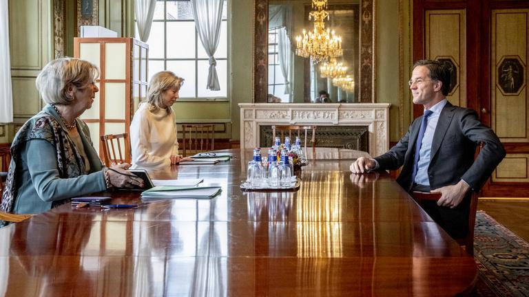 A koronavírus miatt félbeszakadtak a holland koalíciós tárgyalások