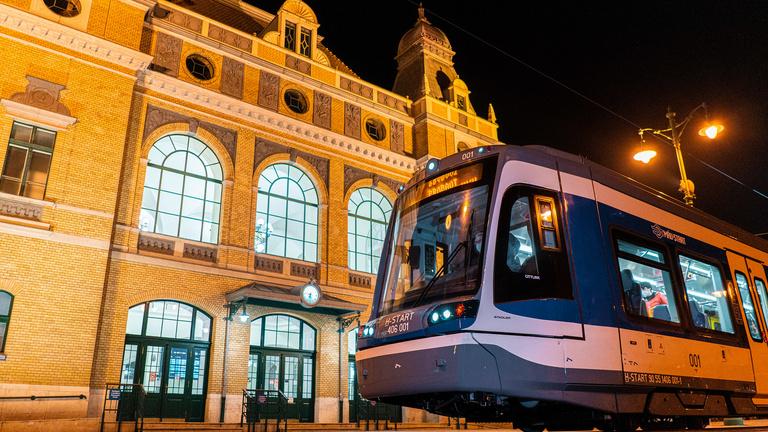 Meglátogatta Szegedet a tram-train