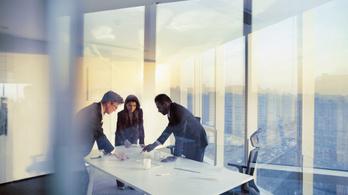A cégvezetők kétharmada várja, hogy 2022-re helyreáll a teljesítményük