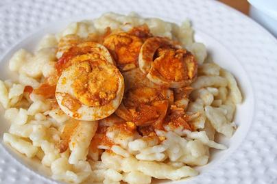 Fűszeres, szalonnás tojáspörkölt: klasszikus fogás pillanatok alatt