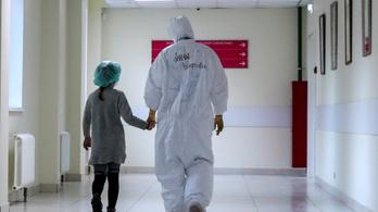 Máris megtelt a gyerekek számára nyitott poszt-Covid-ambulancia