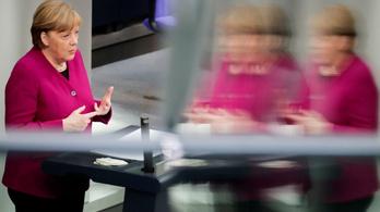 Merkel a vakcinaelosztásról: a szerződéseket nem ostoba bürokraták írták alá