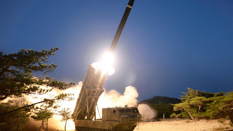 Új rakétatípusokat tesztelt Észak-Korea