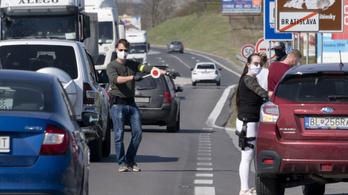 Szlovákia: korlátozták a külföldre utazást