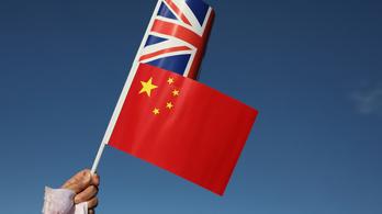 Peking a briteknek is viszonozta a szankciókat